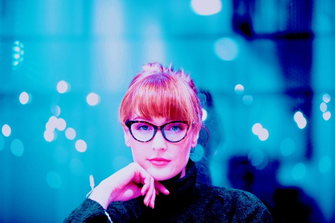 arnaud-mesureur woman blue blonde glasses librarian