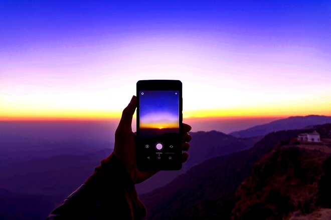 prateek-verma phone sunset